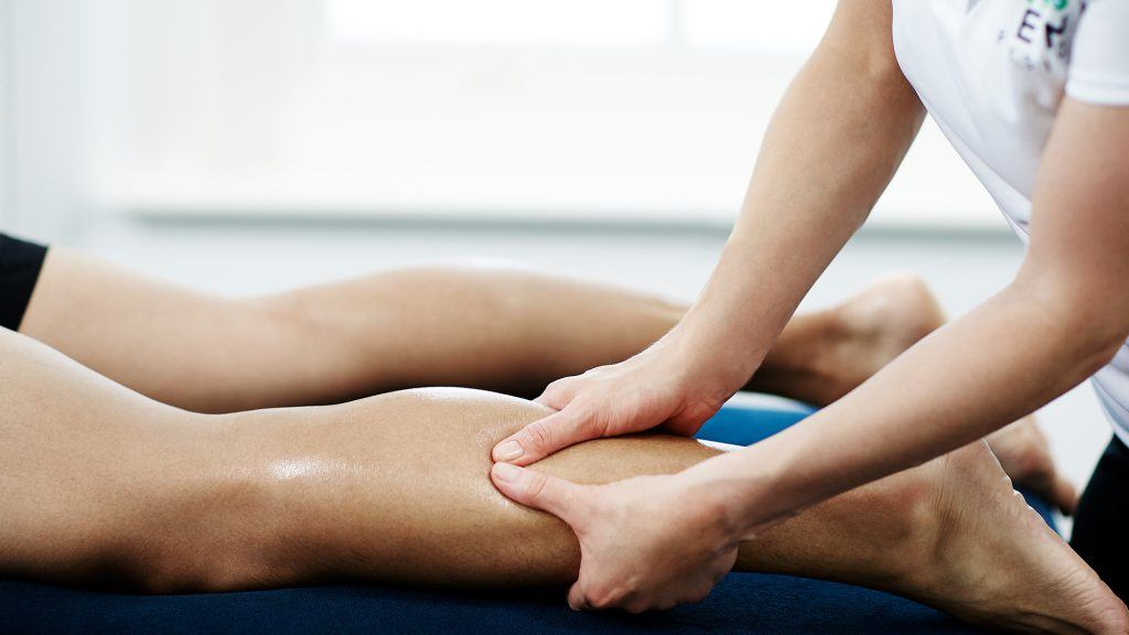 sportmassage wielrenners benen scheren
