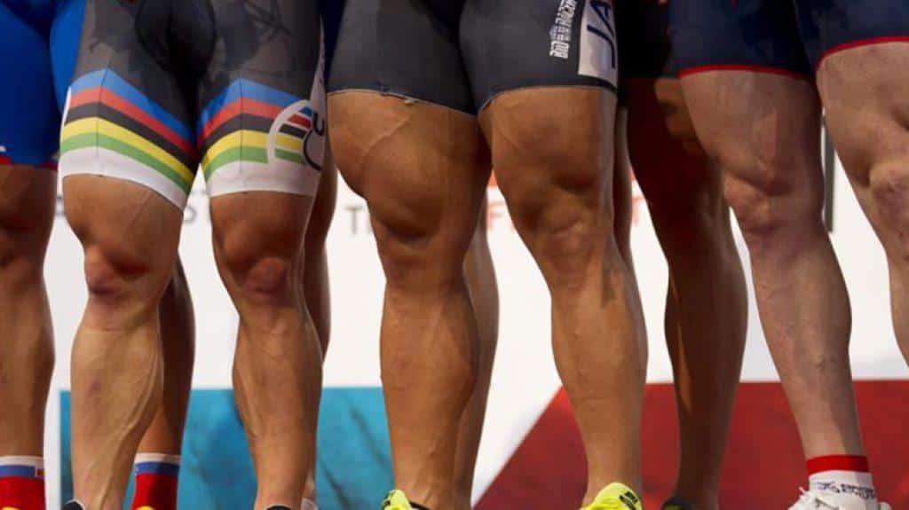 wielrenners benen scheren